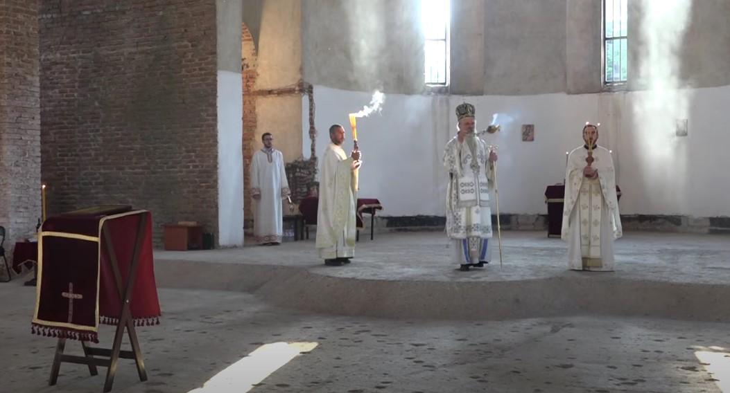 Приштина: Слава у Храму Христа Спаса после 23 године (ВИДЕО) - Čudo